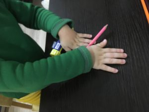 Массаж карандашами горка