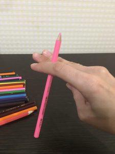 Массаж карандашами качалочка