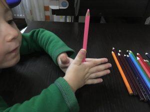 Массаж карандашами добывание огня