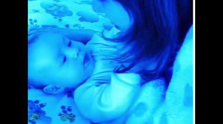 Как научить малыша агукать?